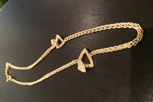 bespoke 18ct yellow gold necklace by charmian beaton design (2)