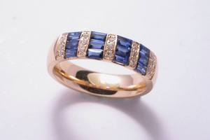 bespoke 18ct yellow gold, sapphire and diamond dress ring, handmade by charmian beaton design
