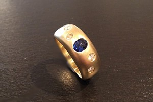 handmade gents ring in 18ct yellow gold, sapphire and diamonds by charmian beaton design