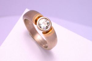 bespoke .80ct brilliant cut diamond ring handmade in 18ct ywllow and white gold by charmian beaton design