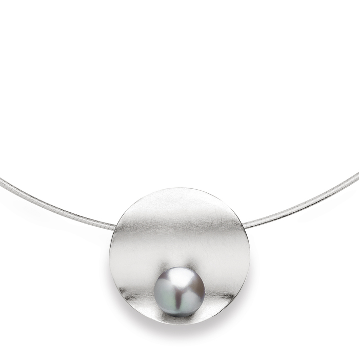 Sterling silver pendant set with silver coloured fresh water pearl