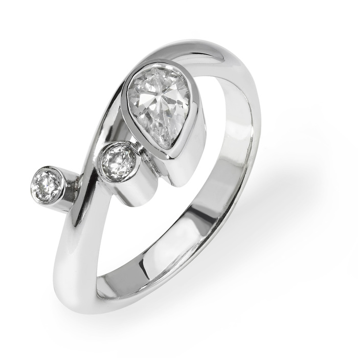 Freya contemporary platinum & diamond engagement ring